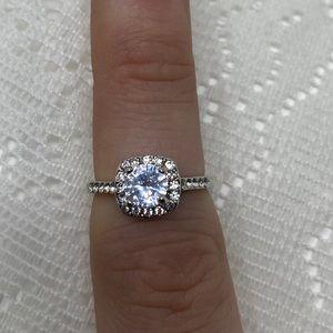 Elegant Engagement Ring Gorgeous Fashion